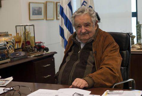 Uruguay-Mujica-legalizacion-mariguana_MILIMA20131115_0871_11