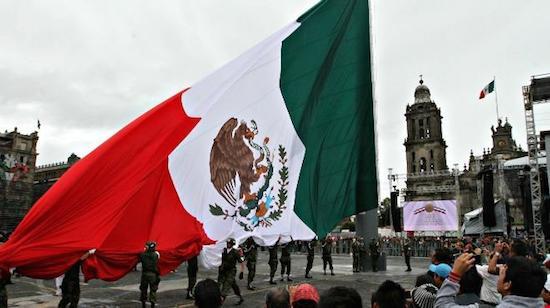 Mexico-grito-Zocalo-16-septiembre
